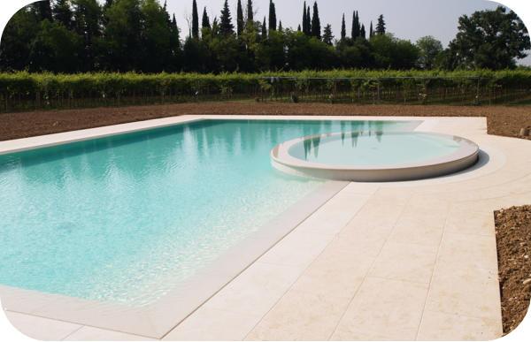 Costruzione piscine realizzazione costruzione piscine - Costruzione piscine brescia ...